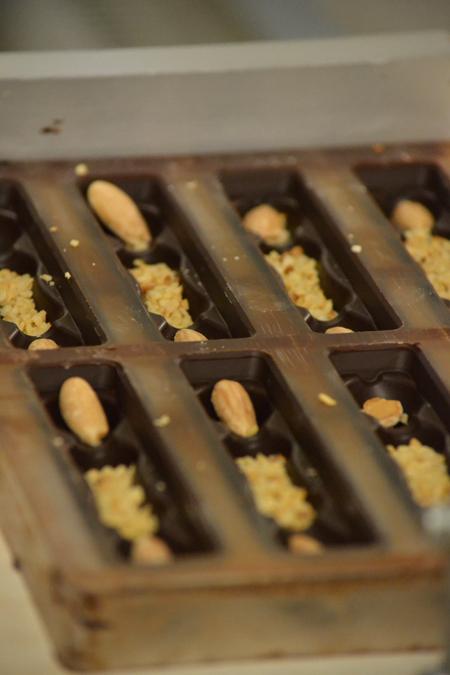 Kalandok a csokigyárban. A futószalagon a Melódia szelet készül éppen/Fotó: Myreille