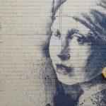 Banksy: Lány beszakadt dobhártyával