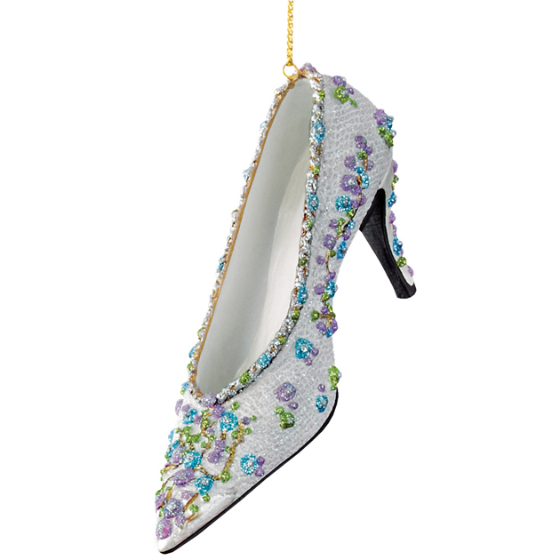 metmuseum_shoesornaments03