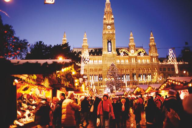 Bécsi Karácsonyi vásár és Adventi varázslat a Városháza téren/Fotó: WienTourismus / Peter Rigaud