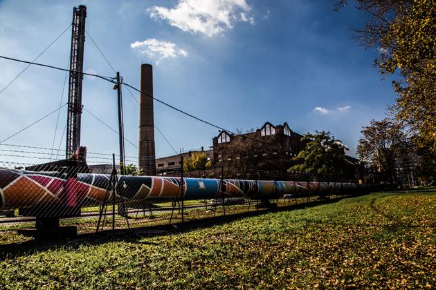 Távhővezeték a IV. kerületben, az Elem utcában. (Fotó: Farkas András)