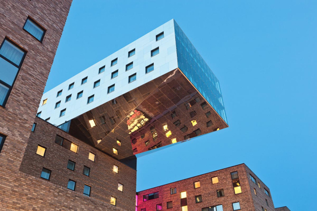 nhow-Hotel-by-Sergei-Tchoban-Karim-Rashid-Berlin-Germany-04