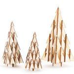 Karácsonyfákból épített dizájn karácsonyfa
