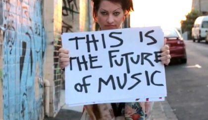 A kérés művészete – Amanda Palmer még jobban megnyílik