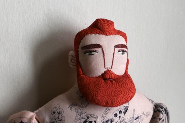 Ezek a szemek, ez a határozott orr és szemöldök valamint a vörös haj és szakáll. Ellenállhatatlan/Design: Mimi Kirchner