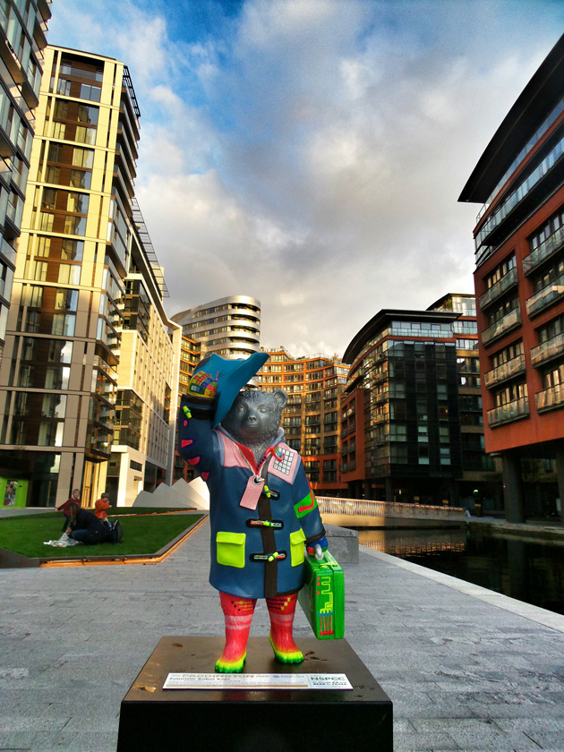 Futuristic Robot Bear No6 / Merchant Sq, North Wharf Rd. (Jonathan Ross)