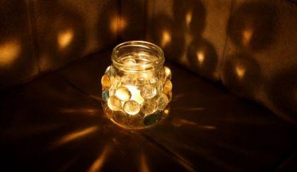 Téli fényszóró a spájzból: üveglencse üvegen
