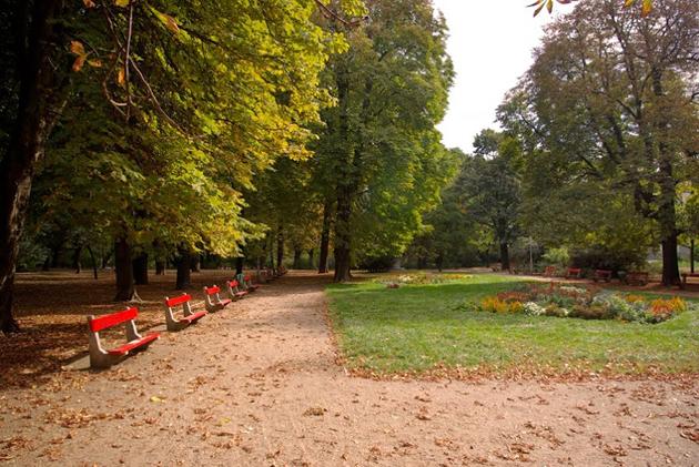 Budapesti nosztalgia - Városliget típusú padok (Fotó: Főkert)