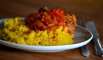 A paprikás csirke kalandja a sárga rizzsel
