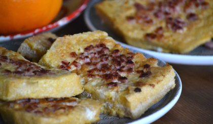 Királyi reggeli: szalonnás bundás kenyér