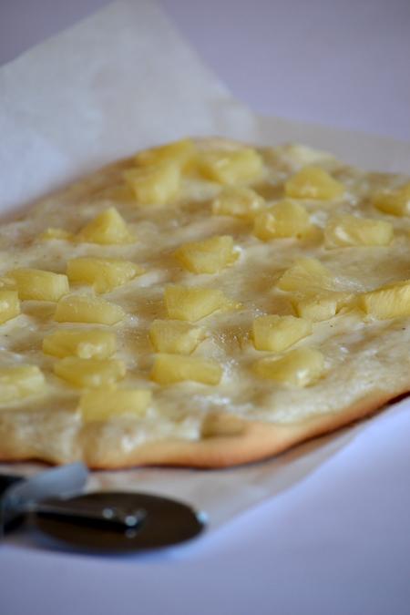Az egyszerű pizza tésztából így lesz édesség