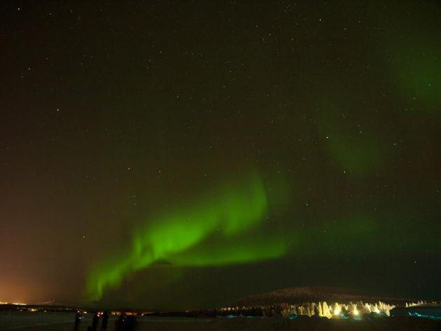 Az aurora borealis, azaz a sötét égbolt lenyűgöző, zöldes derengése ingyenes és felejthetetlen látványosság, de szerencse kérdése, hogy az adott napon épp láthatjuk-e