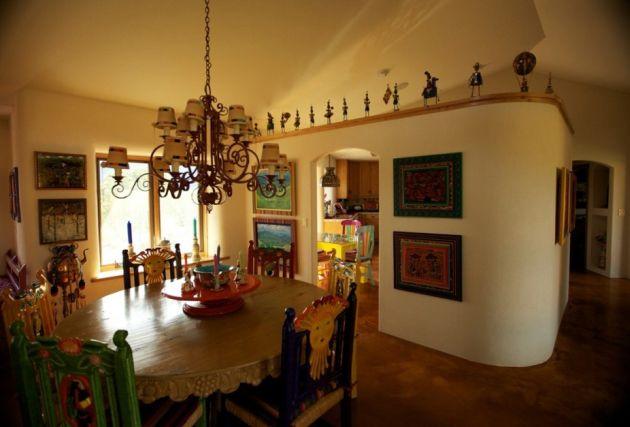 Különleges formák, ívelt falak, otthonosan meleg érzet