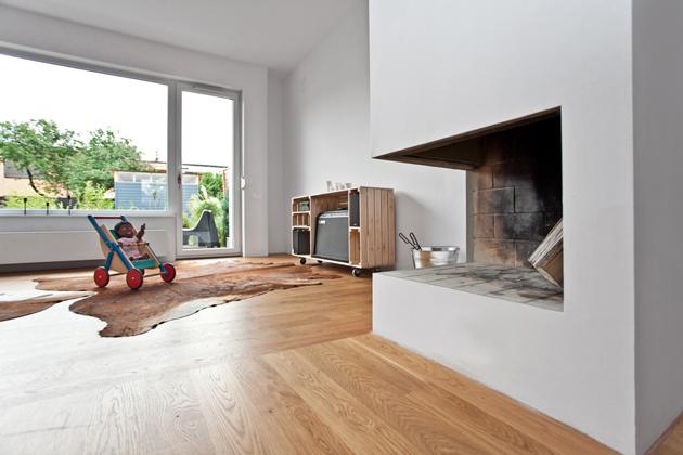 A 120 négyzetméteres ház igazán szellős és a tulajdonosok nem is próbálták agyonbútorozni./Fotó: mode:lina architekci
