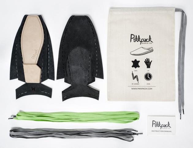 A cipő filozófiája: minimális anyagfelhasználással készül és későbbi viselője ugyanúgy részese a cipő készítésnek, mint Gulyás Sára tervező