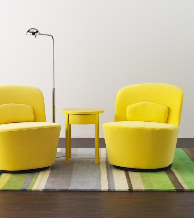 7. A sárga fotelek állhatnak párban is, a sárga kisasztalt pedig a hálószobába is viheted éjjeliszekrénynek - Stockholm kollekció az IKEA-tól.