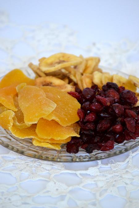 A kedvenceim: Szárított mangó, szárított vörösáfonya, banánchips (Fotó: Myreille)