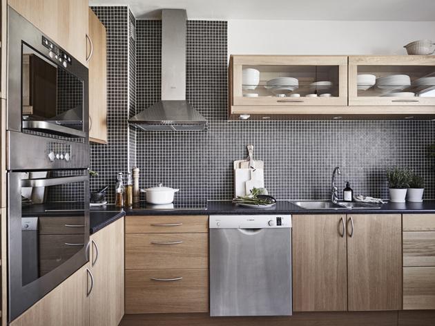 A konyha ötvözi a modernet  és a klasszikust. (Fotó: stadshem.se)