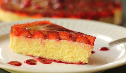 Hűs nyári édesség: sütés nélküli epres túrótorta