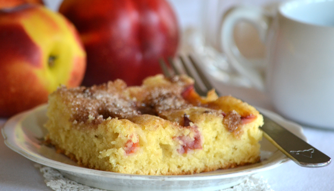 Vasárnapi süti: könnyű lepény barackkal, mazsolával/Fotó: Myreille