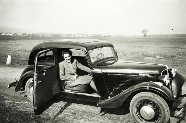 Jó autó + jó nő = nemő Dátum: 1943, Fotó: Fortepan - Jaki László