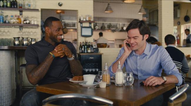 LeBron James (LeBron James) és Aaron (Bill Hader) - Kész katasztrófa (Trainwreck)