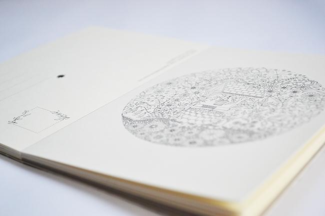 Mesevilág jelenik meg a képeslapokon - Johanna Basford: Titkos kert - Képeslapkönyv 20 kivehető képeslappal (Fotó: Myreille)