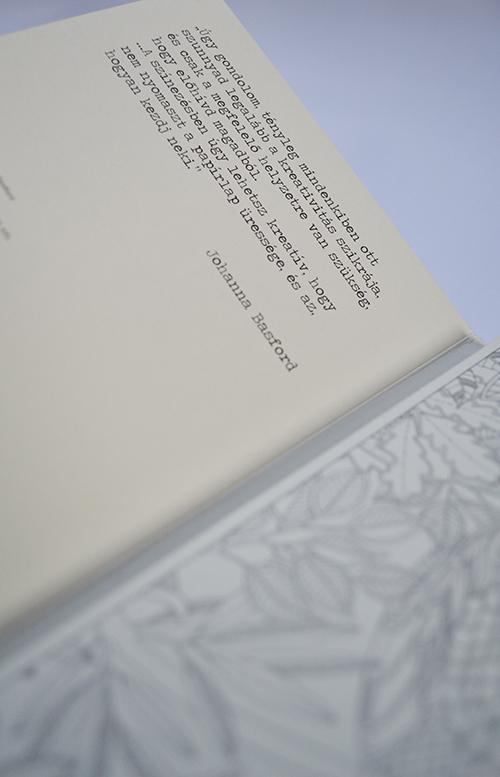 Johanna Basford: Titkos kert - Képeslapkönyv 20 kivehető képeslappal (Fotó: Myreille)