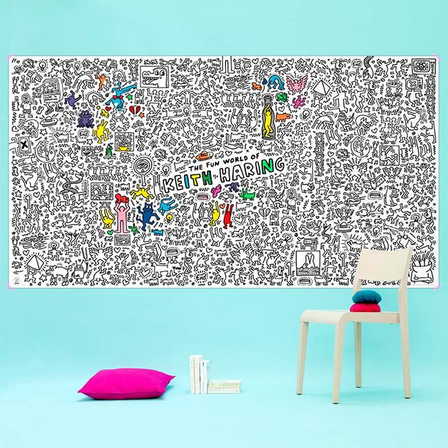 Sokat vacilláltam, hogy hozzám egy színezhető New York térkép vagy egy Keith Haring poszter állna közelebb, de Keith Haring világ át jobban szeretném, New Yorkot meg majd megnézem egyszer.