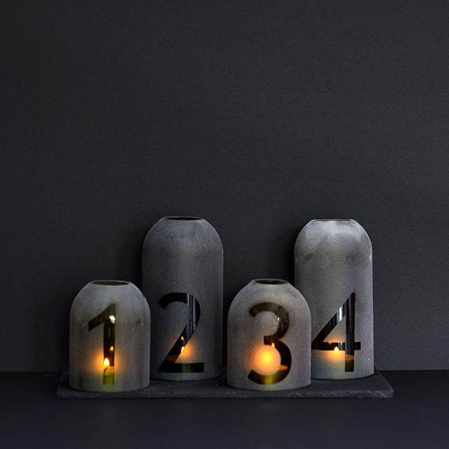 A mécsesek az ünnep fényét és lényegét ragadják meg./Design és fotó: Panyi Zsuzsi