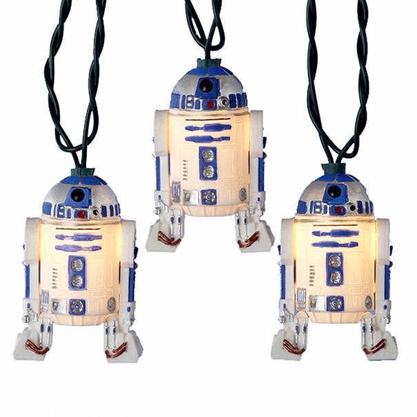 Ám ezzel az őrületnek nincs vége. Mit szólnál egy R2-D2 izzósorhoz a karácsonyfán?