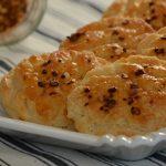 Valami sós és pikáns: chilis pogácsa