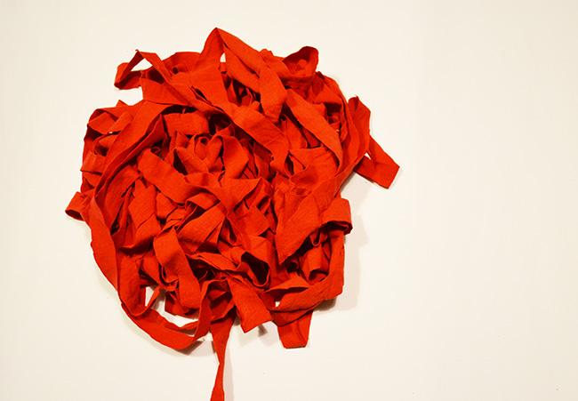 1. lépés: Pólóból pólószalag/Fotó: Myreille