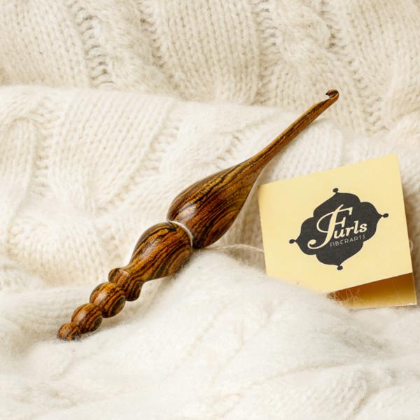 Furls_Crochet_Kingwood_Bocote_Hook_1_grande