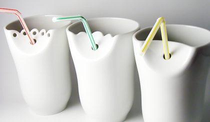 Pohárek: porcelán pohár szívószál tartóval