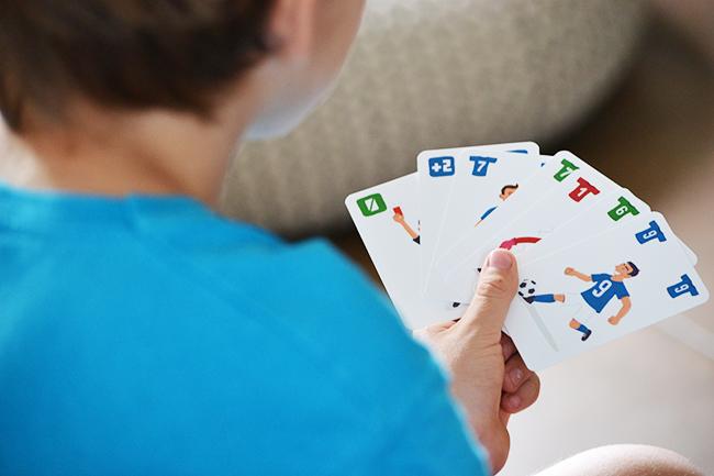 A kártyákat Baranyai (b) András rajzolta. (Fotó: Myreille)