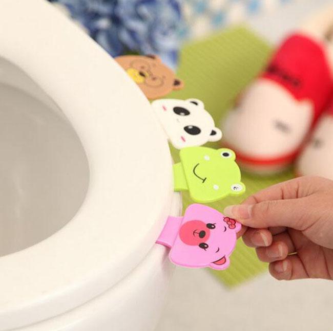 Természetesen a koreai dizájn a wc-ülőke felhajtókban sem ismer pardont. Dübörög a cukiság!