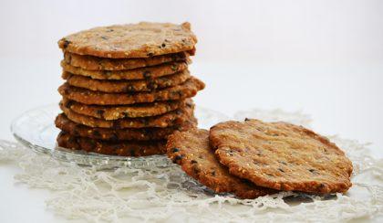 Ropogós boldogság: csokis-szezámmagos cookie