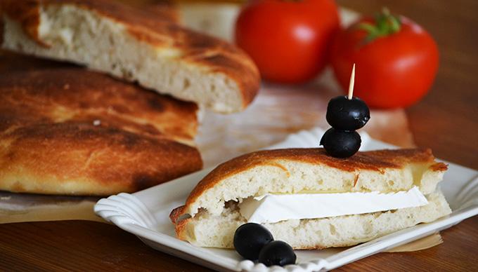 Lepénykenyérről készült szendvics (Fotó: Myreille)