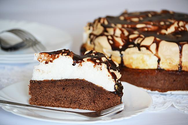 Duplán csokis-habos torta (Fotó: Myreille)