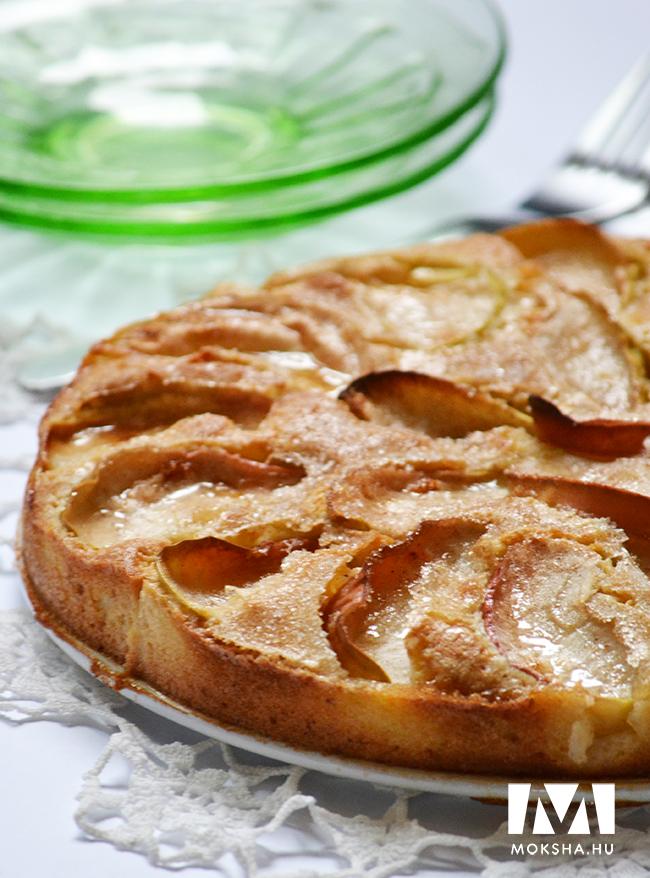 Puha tészta, ízletes alma, ropogós cukorréteg a tetején. (Fotó: Myreille)