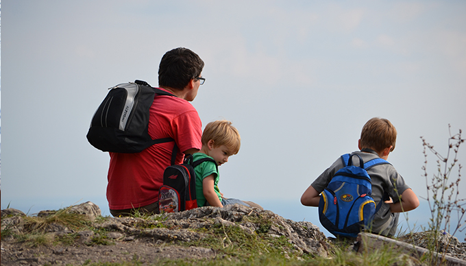 A Naszályon a Látó-hegy. Csak ültünk ott és tökéletes volt a világ. (Fotó: Myreille)