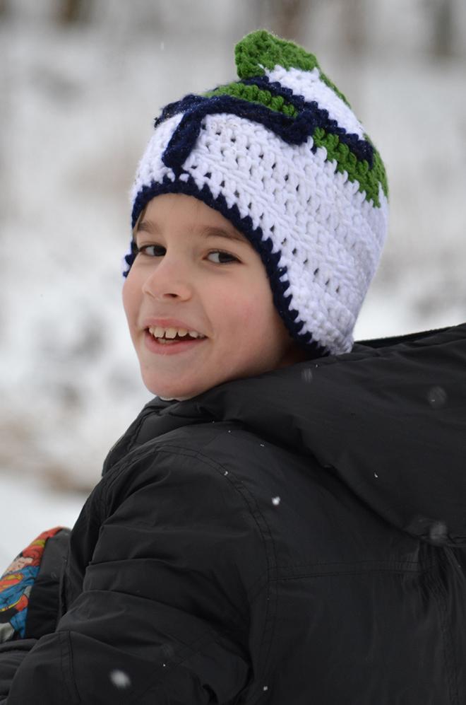 Délutánra a hó is megérkezett, bizonyos clone(sapkát viselő kifiú)k éppen hóembert építenek.../Fotó: Myreille
