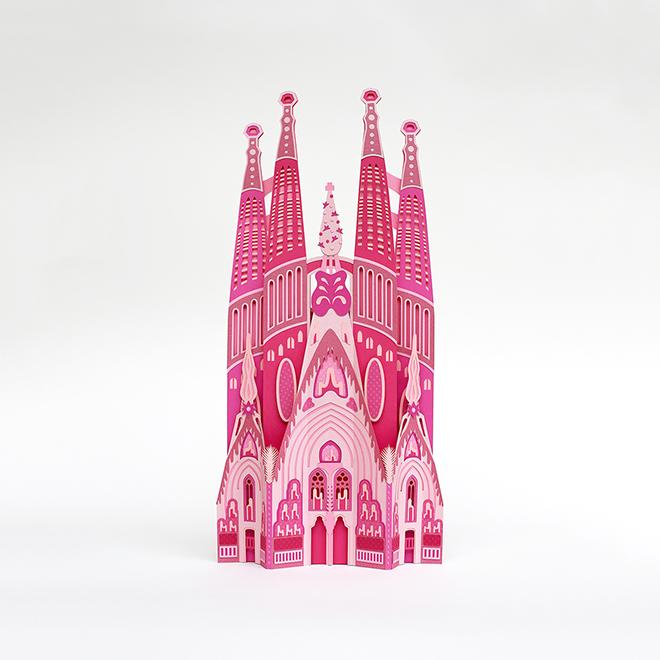 Sagrada Família rózsaszín papírból
