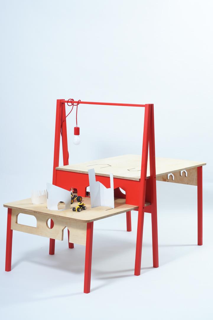 aszT/L, író- és terepasztal/tervező: Féja Dorottya
