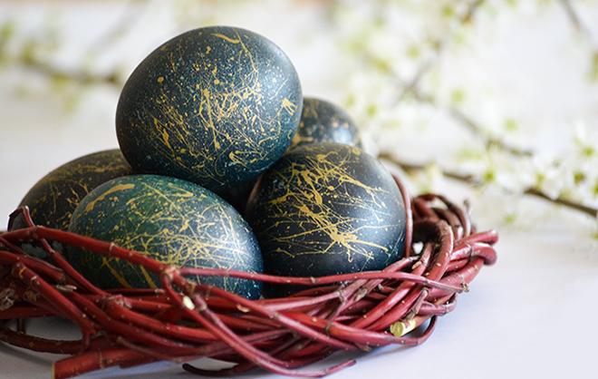 Lilakáposztával festett húsvéti tojás/Fotó: Myreille