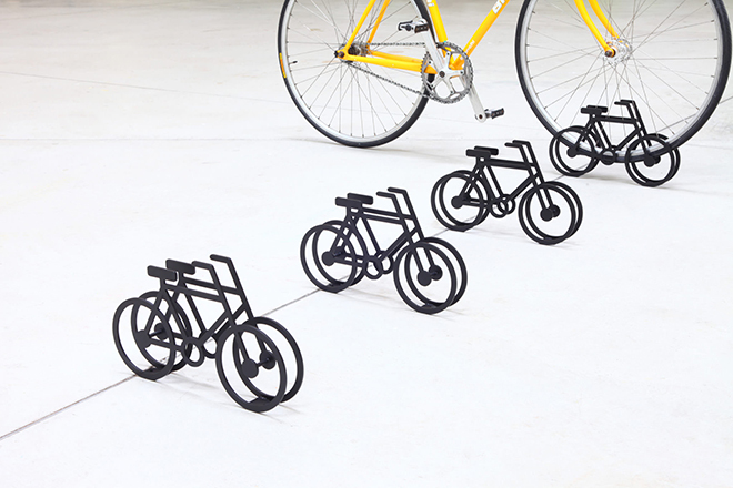 On-Bicycle-Stand-Yuma-Kano-4
