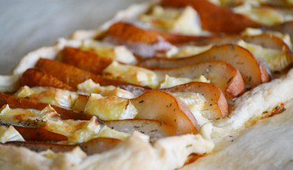 Körtés-brie sajtos pite kakukkfűvel