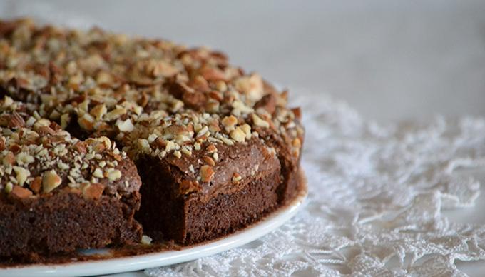 brownie, csokis süti, mandulás csokis üti, amerikai borwnie, brownie egyszerűen, elronthatatlan brownie, legjobb brownie, legjobb csokis süti