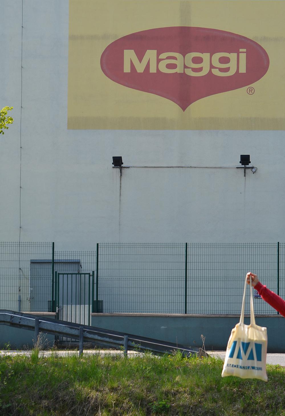 Világjáró moksha-táska a Maggi gyárban - Prievidza/Fotó: Myreille